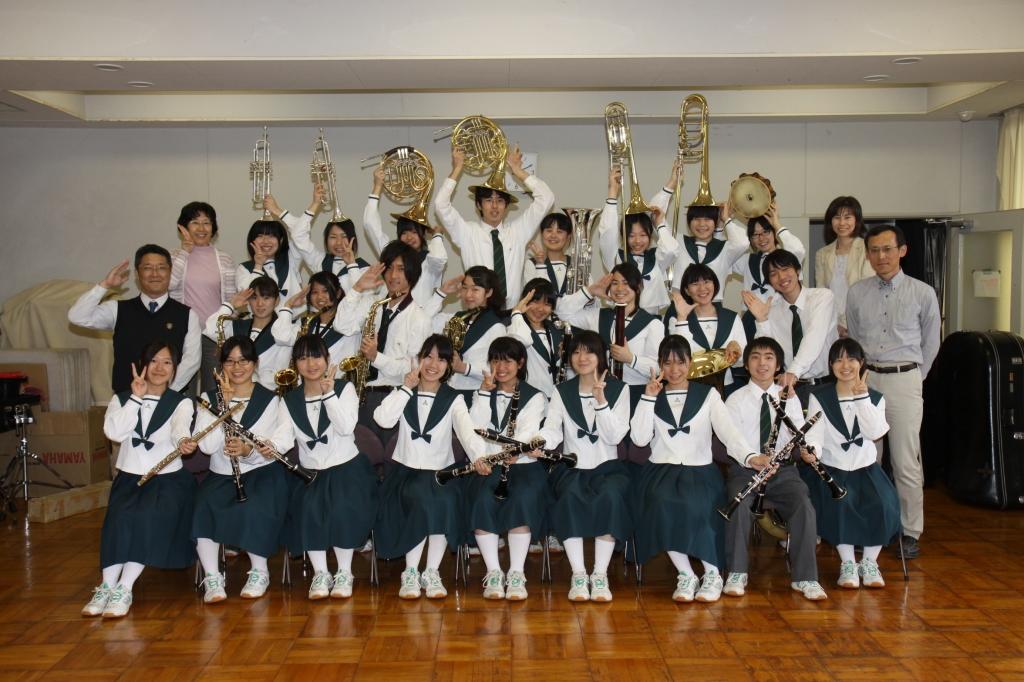 成田国際高等学校制服画像